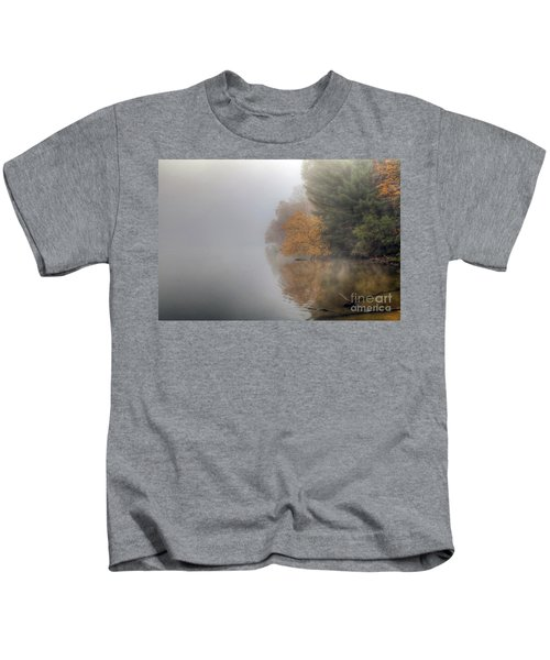 0136 Autumn On The Illinois River At Starved Rock Kids T-Shirt