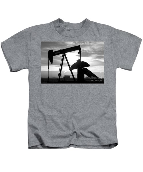 Oil Well Pump Jack Black And White Kids T-Shirt