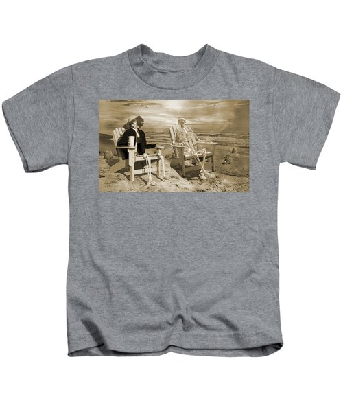 Sam Exchanges Tales With An Old Friend Kids T-Shirt