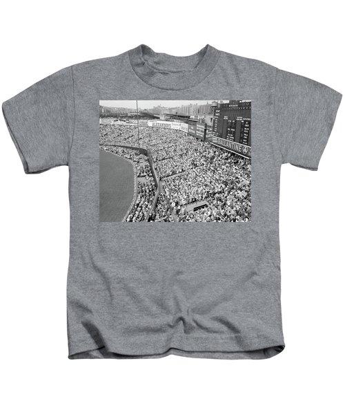 1940s 1950s Large Crowd Yankee Stadium Kids T-Shirt