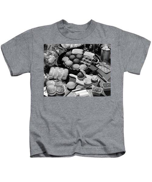 1950s Hamburgers Hot Dogs Buns Cookout Kids T-Shirt
