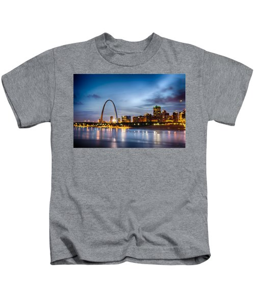 City Of St. Louis Skyline. Image Of St. Louis Downtown With Gate Kids T-Shirt