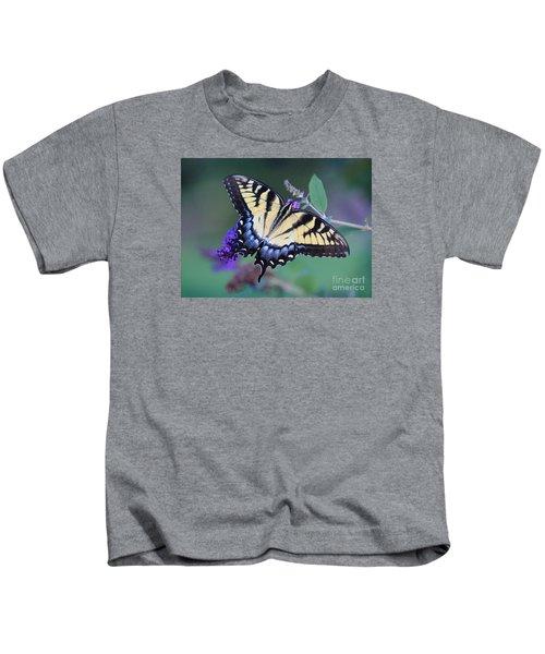 Eastern Tiger Swallowtail Butterfly On Butterfly Bush Kids T-Shirt