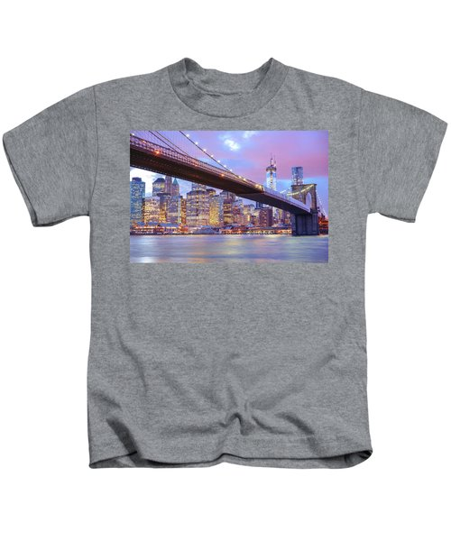 Brooklyn Bridge And New York City Skyscrapers Kids T-Shirt