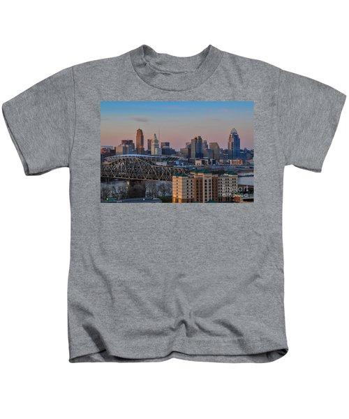 D9u-876 Cincinnati Ohio Skyline Photo Kids T-Shirt