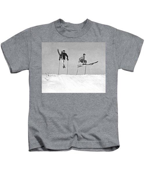 Gelandesprungs In St-sauveur Kids T-Shirt