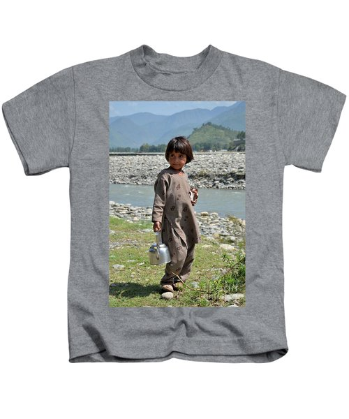 Girl Poses For Camera  Kids T-Shirt