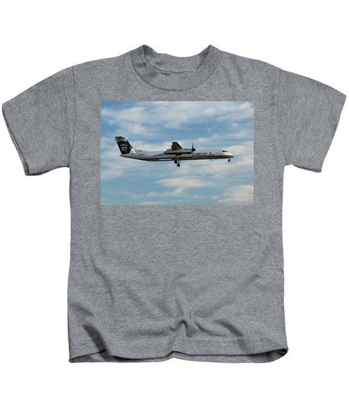 Horizon Airlines Q-400 Approach Kids T-Shirt