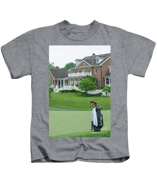 D12w-289 Golf Bag At Muirfield Village Kids T-Shirt