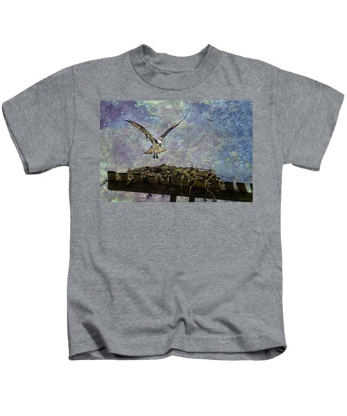 Osprey-coming Home Kids T-Shirt