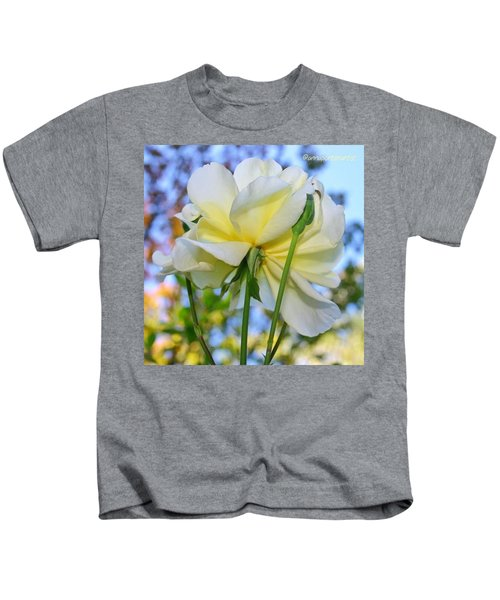 Pale Yellow Rose And Blue Sky Kids T-Shirt