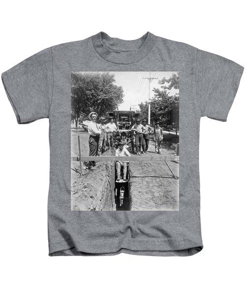 Road Workers In La Kids T-Shirt