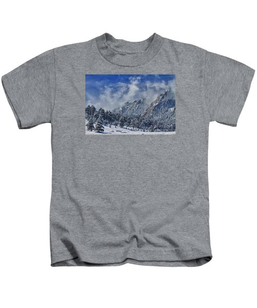 Rocky Mountain Dusting Of Snow Boulder Colorado Kids T-Shirt