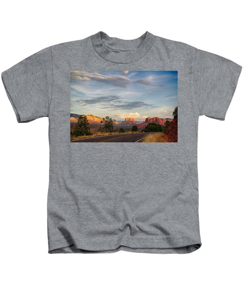 Sedona Arizona Allure Of The Red Rocks - American Desert Southwest Kids T-Shirt