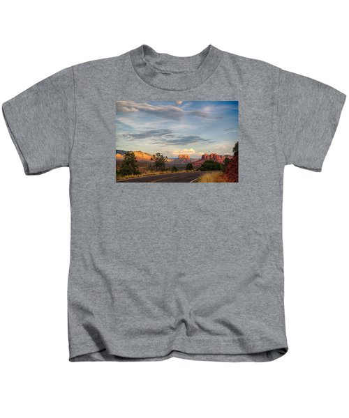 Sedona Arizona Allure Of The Red Rocks - American Desert Southwest Kids T-Shirt