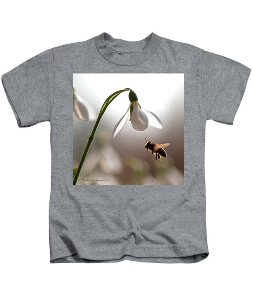 Snowdrops And The Bee Kids T-Shirt