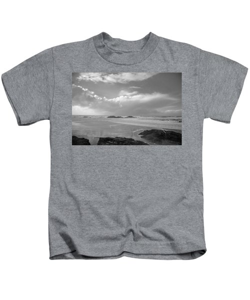 Storm Approaching Kids T-Shirt