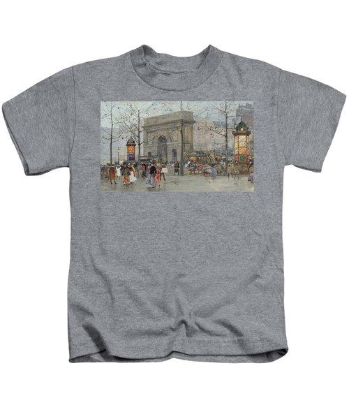 Street Scene In Paris Kids T-Shirt