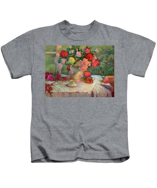Summer Roses Kids T-Shirt