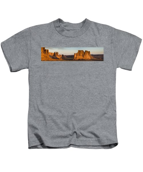 Sunrise At Courthouse Towers  Kids T-Shirt