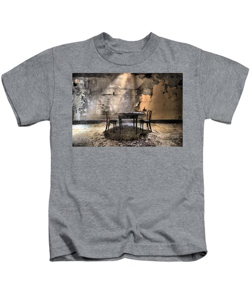 Table 4 Two Kids T-Shirt