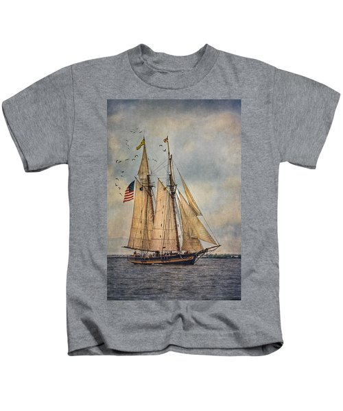 The Pride Of Baltimore II Kids T-Shirt