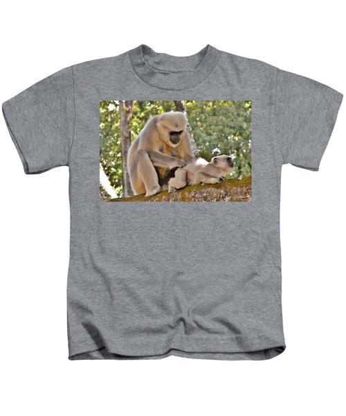 There Is Nothing Like A  Backscratch - Monkeys Rishikesh India Kids T-Shirt