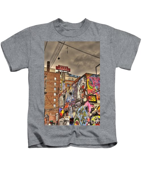Vibrant Lodging Kids T-Shirt