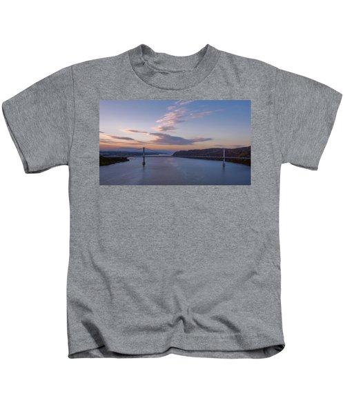 Walkway Over The Hudson Dawn Kids T-Shirt