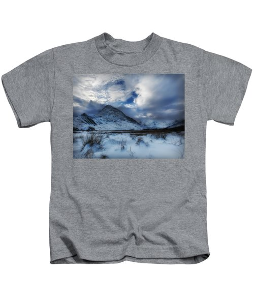 Winter At Tryfan Kids T-Shirt