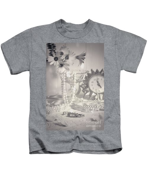 Womans Dressing Table Kids T-Shirt