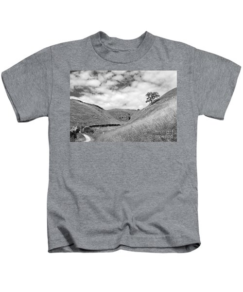 Lone Tree In The Yorkshire Dales Kids T-Shirt