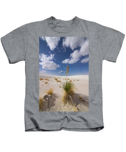 Yucca Growing On Dune In White Sands N Kids T-Shirt