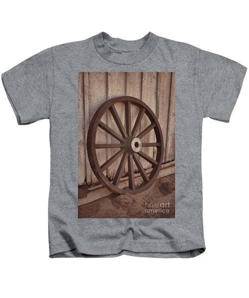 An Old Wagon Wheel Kids T-Shirt