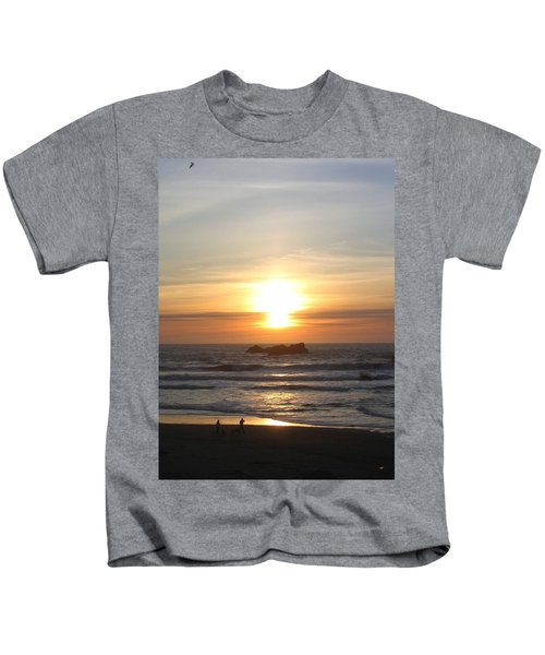Kite Flying At Sundown Kids T-Shirt