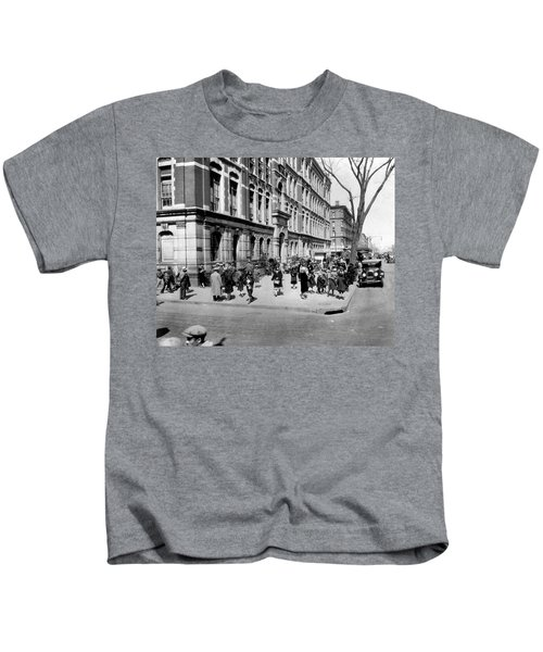 School's Out In Harlem Kids T-Shirt by Underwood Archives