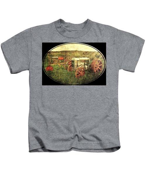 Vintage 1923 Fordson Tractors Kids T-Shirt