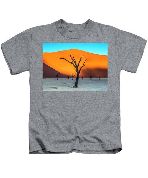Beauty Lives Forever. Kids T-Shirt