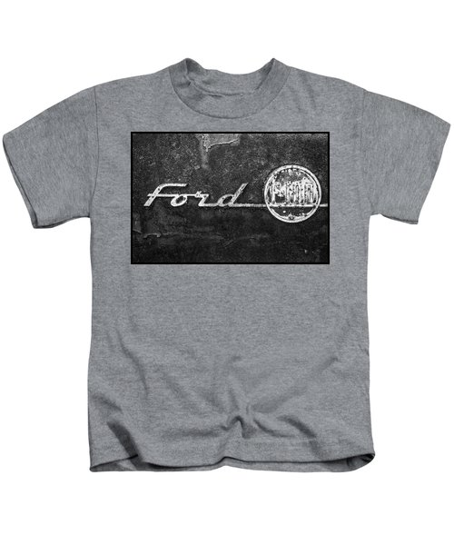 Ford F-100 Emblem On A Rusted Hood Kids T-Shirt