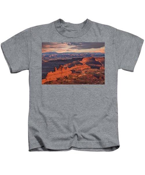 Needles Sunset From White Crack Kids T-Shirt