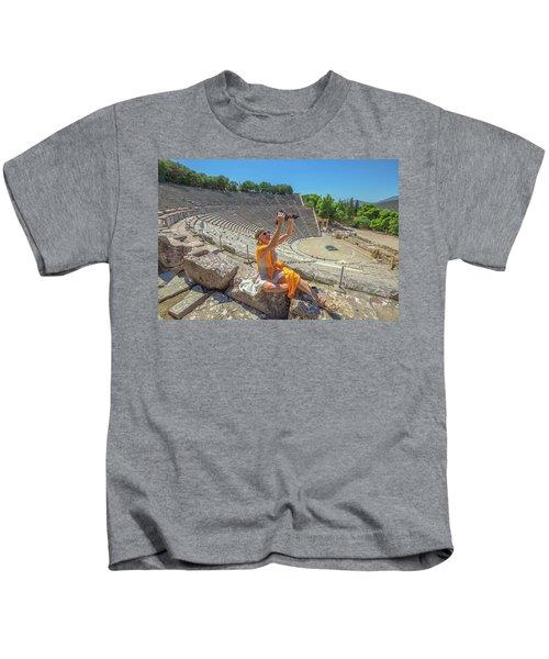 Woman Photographer Selfie Kids T-Shirt