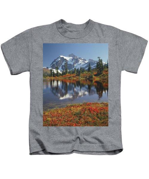 1m4208 Mt. Shuksan And Picture Lake Kids T-Shirt
