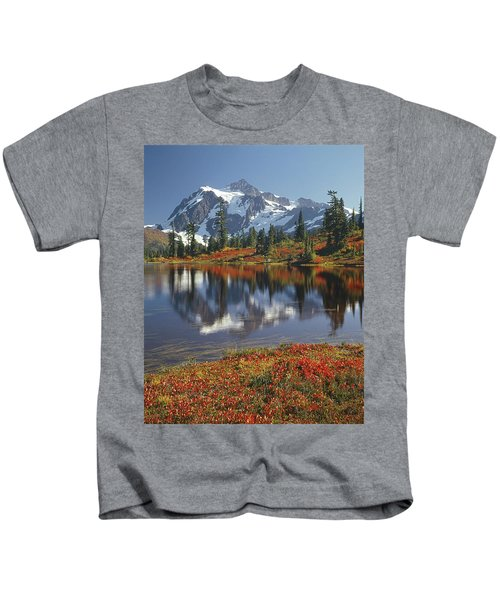 1m4208 Mt. Shuksan And Picture Lake Kids T-Shirt