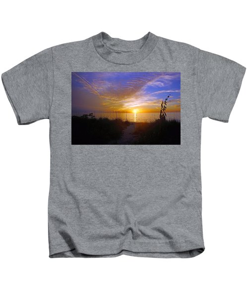 Sunset At Delnor Wiggins Pass State Park In Naples, Fl Kids T-Shirt