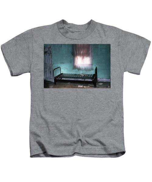 A Glow Where She Slept Kids T-Shirt