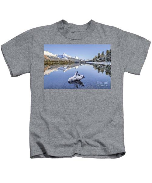 A Kiss Of Winter Kids T-Shirt