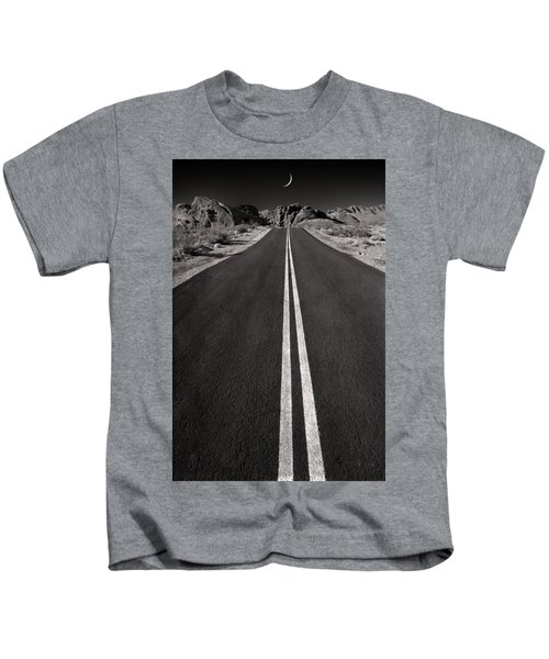 A Road With A Moon  Kids T-Shirt