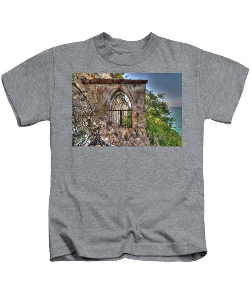 Abandoned Places Iron Gate Over The Sea - Cancellata Sul Mare Kids T-Shirt