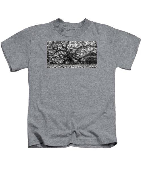 Angel Oak Tree Black And White  Kids T-Shirt