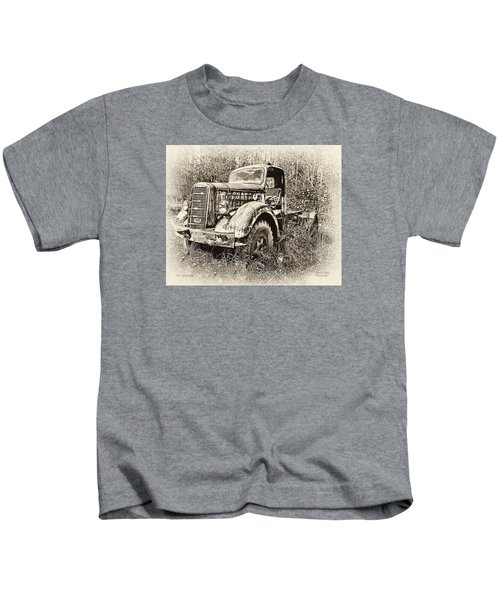 Antique 1947 Mack Truck Kids T-Shirt